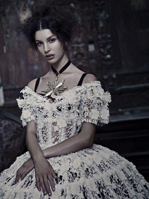 Kate King by Paolo Roversi - Vogue Italia: September 2012 - Alta Moda: Dolce  Gabbana una storia Italiana