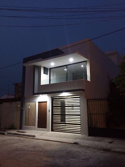 Casas ideas arquitectura e im genes en 2019 studio for Fachadas de casas con ventanas blancas