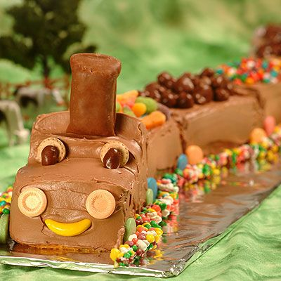 This Choo Train Cake Is The Perfect Birthday For Your Little Engineer In Training