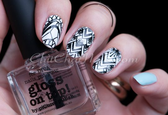 SCRATCH – Divine Dotwork | ChitChatNails