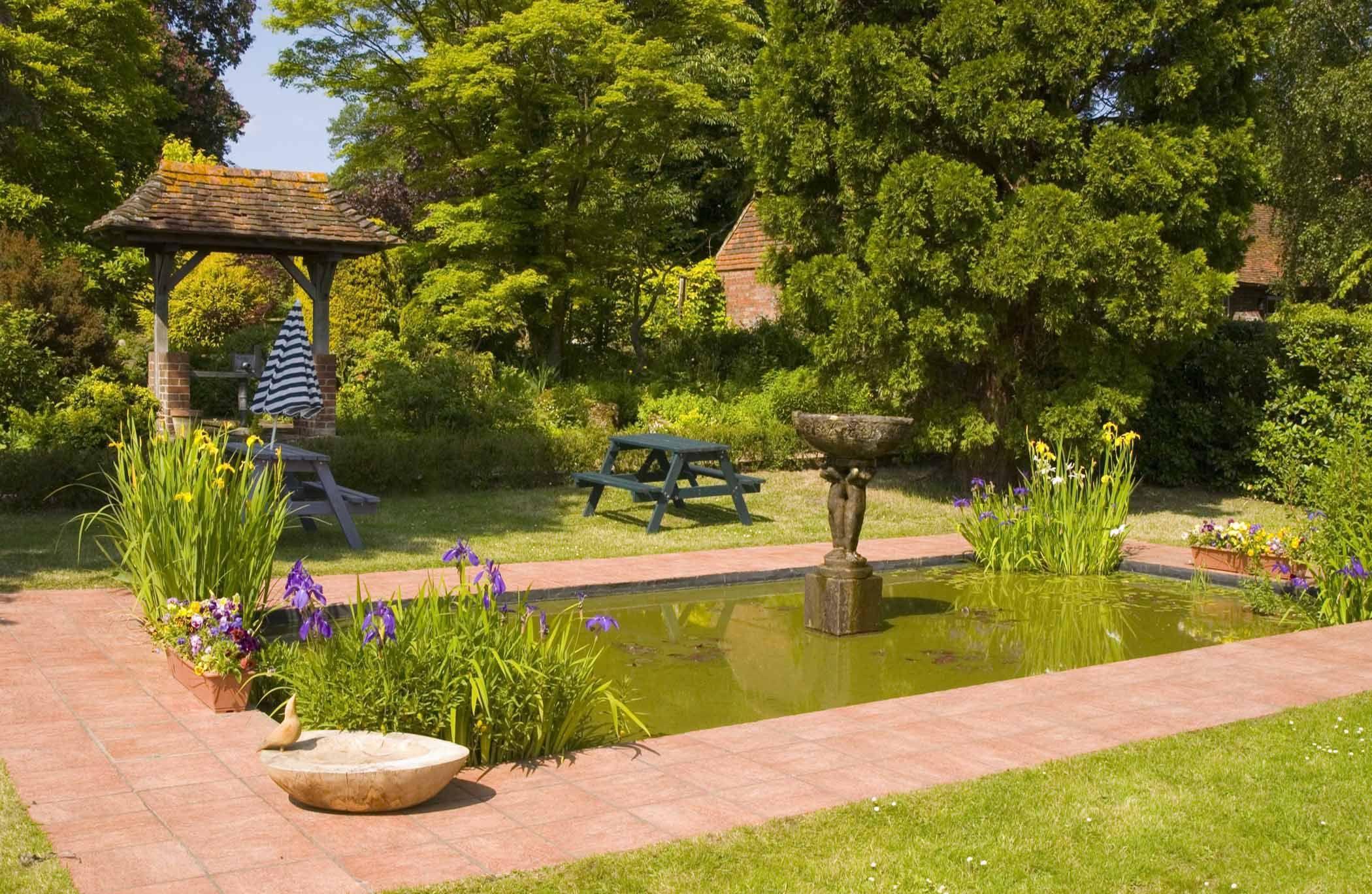 lush green garden ideas | Dream House | Pinterest | Lush green ...