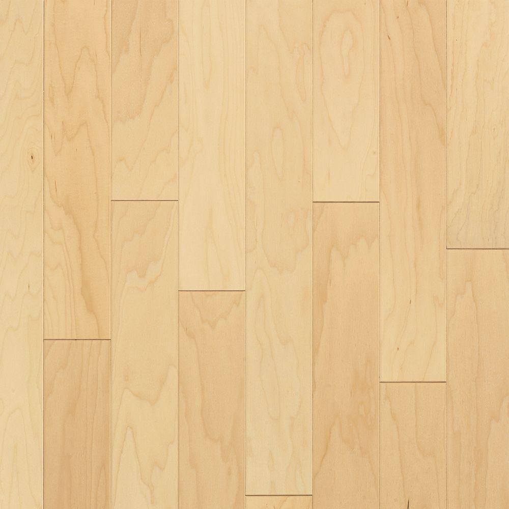 Bruce Pre Finished Maple Natural Finish 5 Ply Engineered Hardwood Flooring 5 In X 7 In Take H Hardwood Floors Maple Hardwood Floors Solid Hardwood Floors