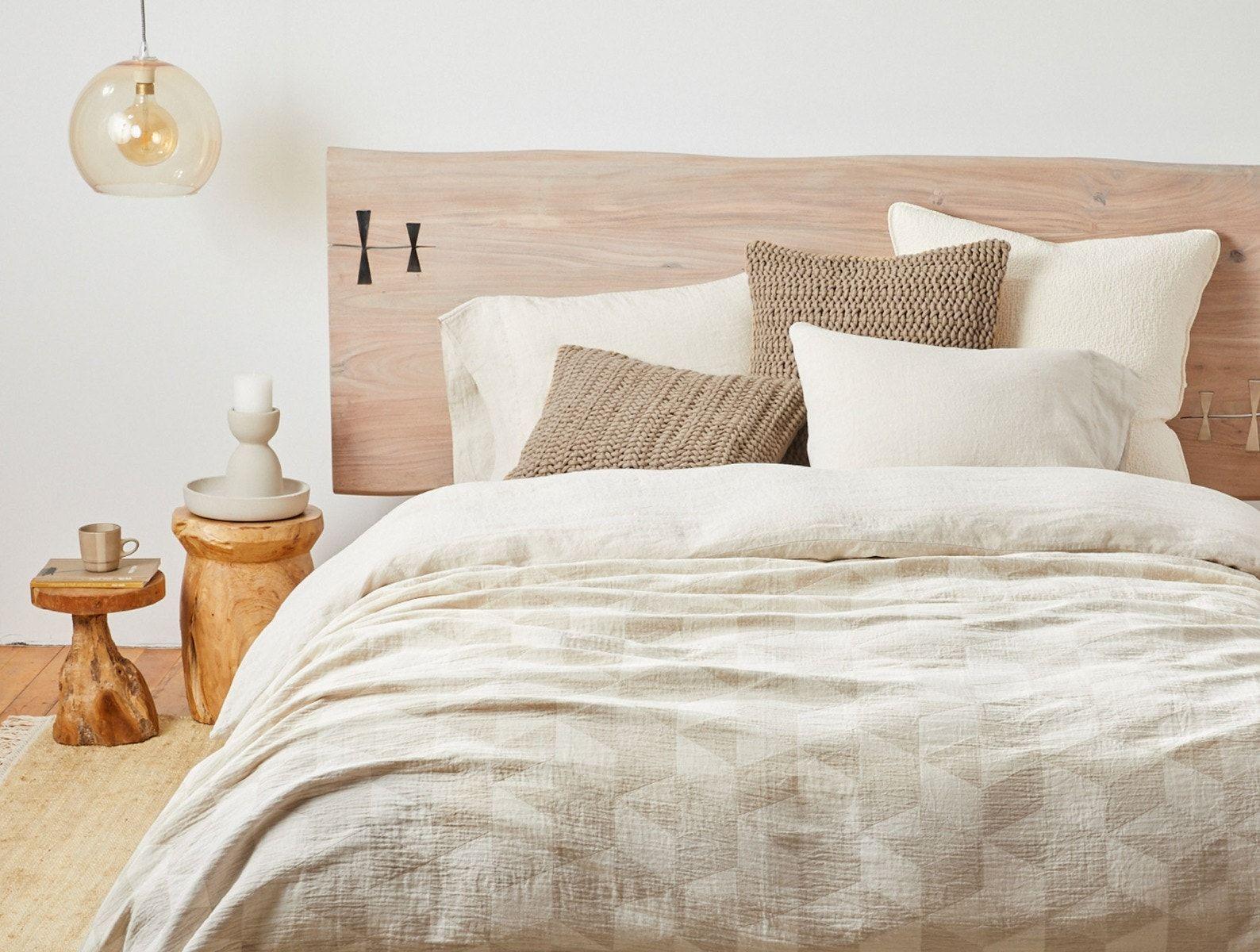 Pismo Organic Blanket In 2020 Organic Blankets Cozy Small Bedrooms Coyuchi