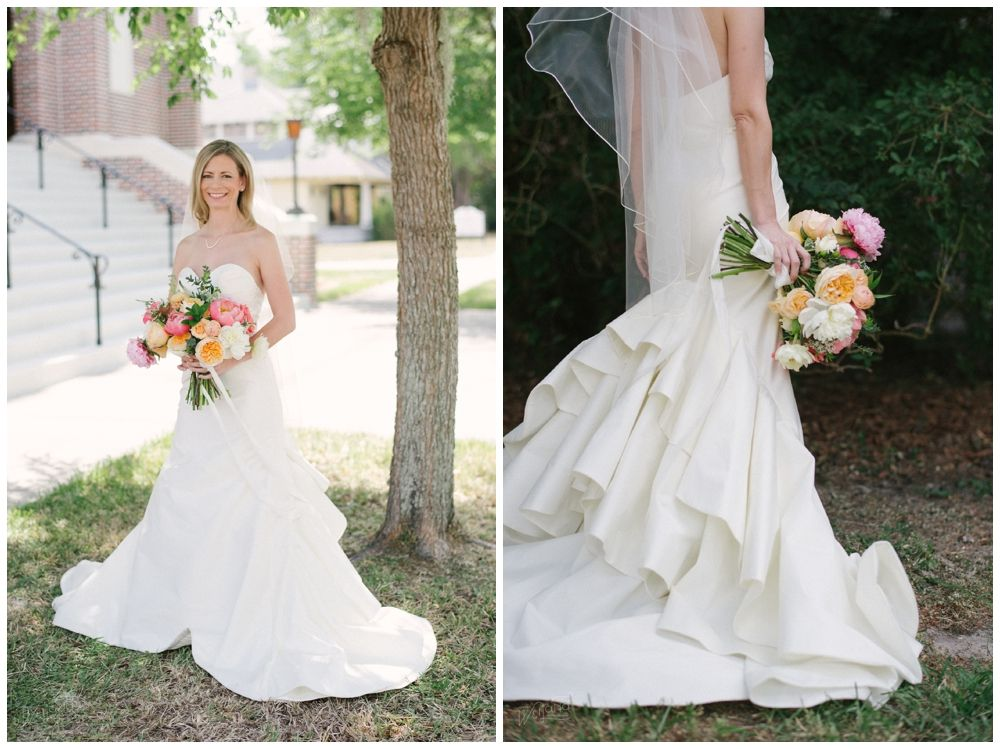 Outdoor Wedding Wedding Dress Colorful Bouquet Photos Jordan