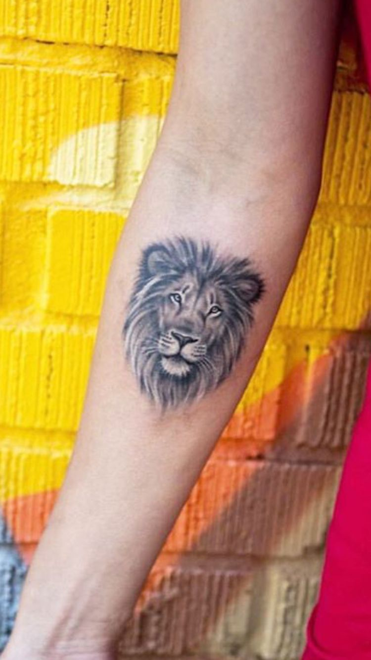 Löwen Tattoo Unterarm Lion Tattoo Smaller And Different Placement Though Tattoo