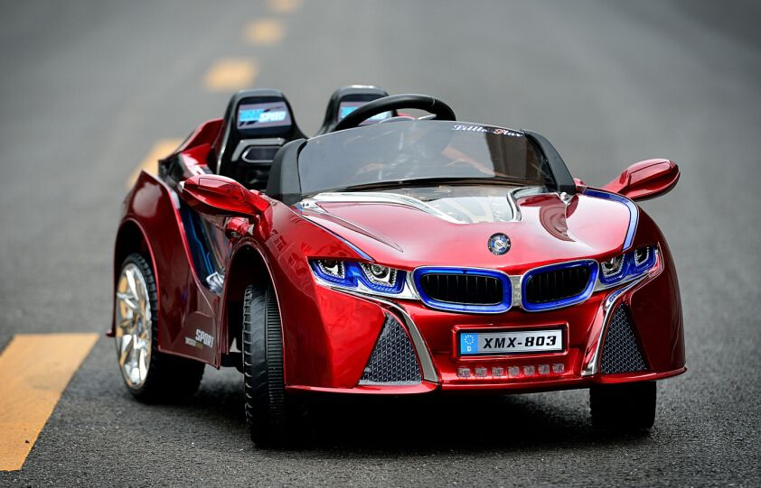 BMW i8 red power wheels http://americas-toys.com/ride-on-toys/battery-power/bmw-i8-red