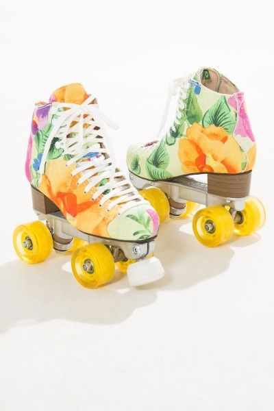 Destaque foto   Marie   Pinterest   Roller skating, Floral and Girls 54f89eb2f2