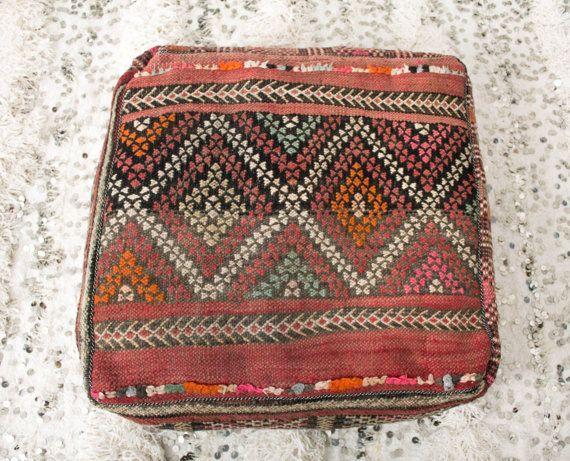 Kilim berbère marocain Pouf par ThreadTooth sur Etsy