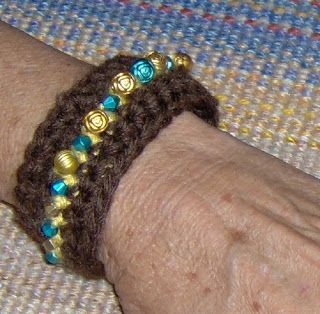 Birdies Crochet and Craft: Bead Cuff Bracelet