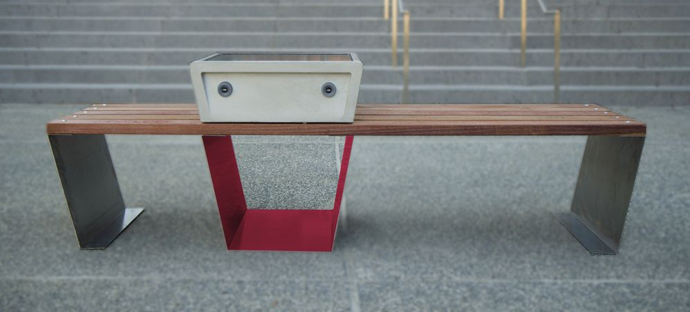 Boston Is Getting Solar Powered Smart Benches In Its Parks Solar Power Bench Solar