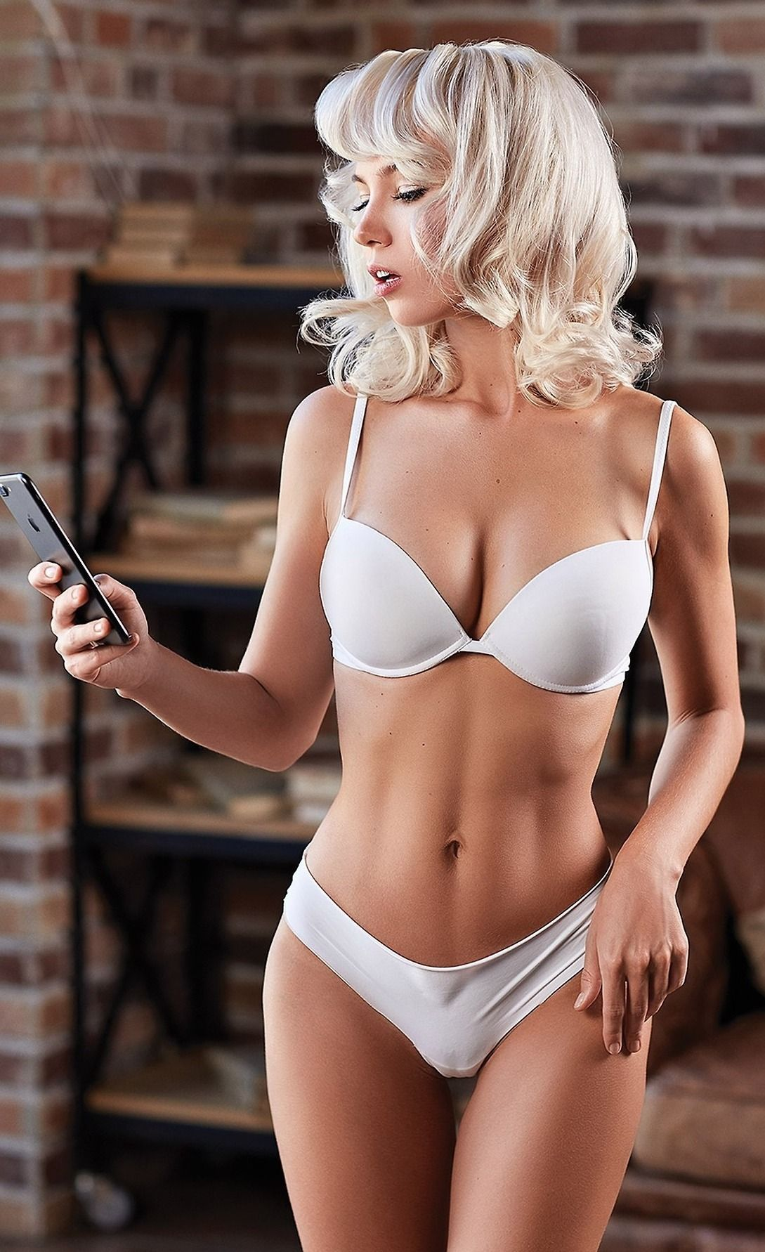 35b652c22c9a5 Collection of beautiful Pinterest women and Dorian Gray blogs ...