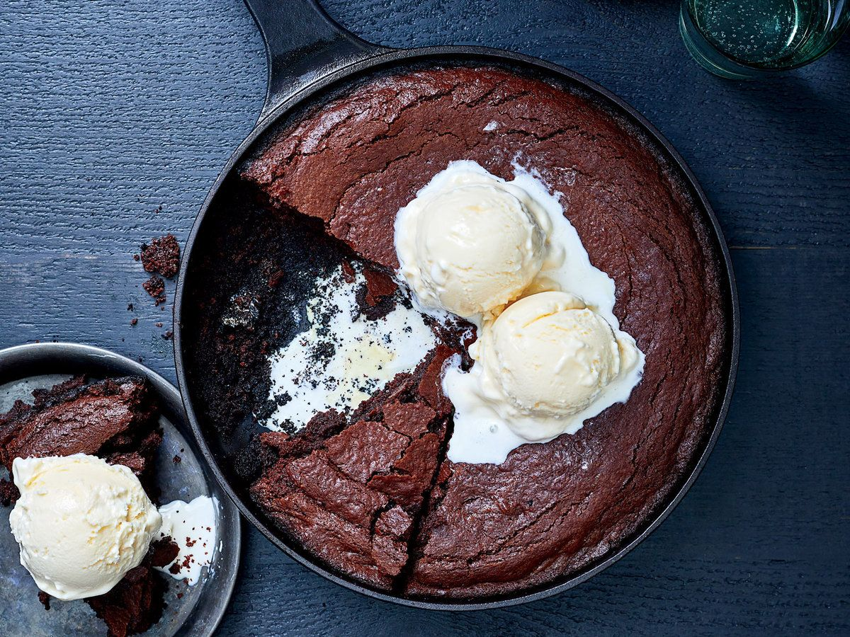 Skillet Brownies on the Grill #grilleddesserts