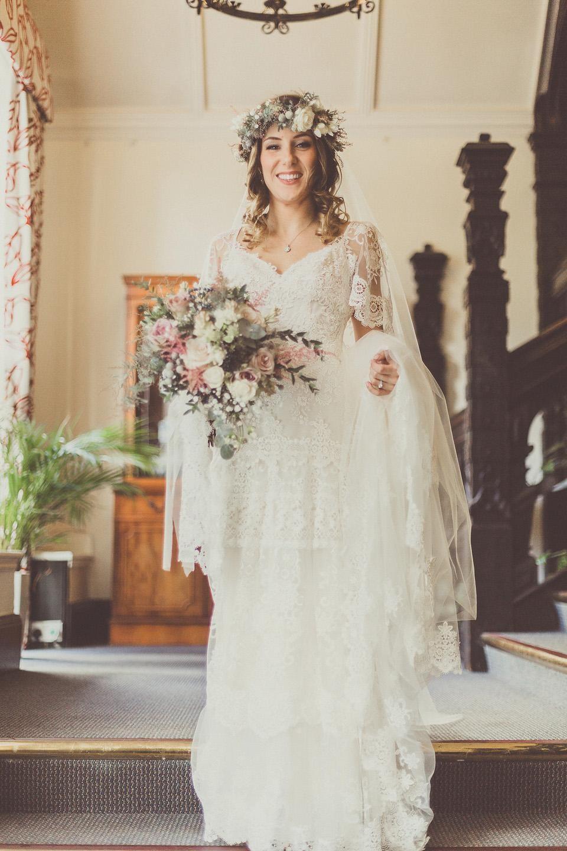Lihi hod sheath wedding dress deep v neck short sleeves sweep