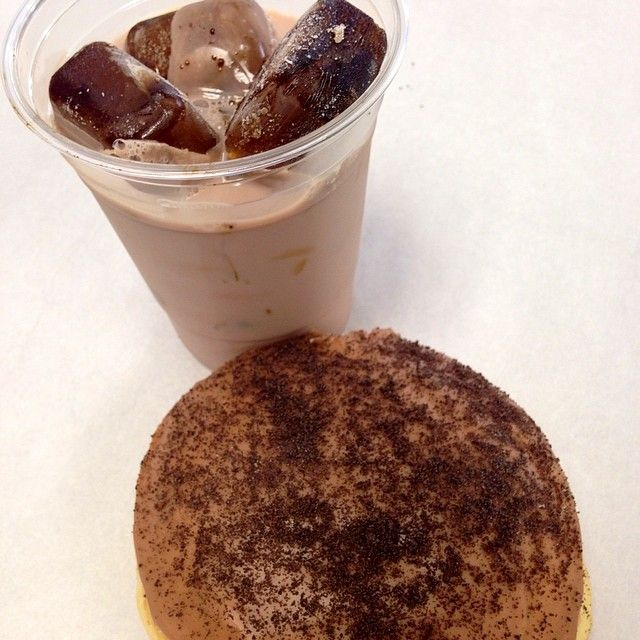 #chocolate #milk and #coffee ice cubes! With our Le Chocolate- #oreo crusted, chocolate iced & chocolate custard #donut!  (at Donut rising)