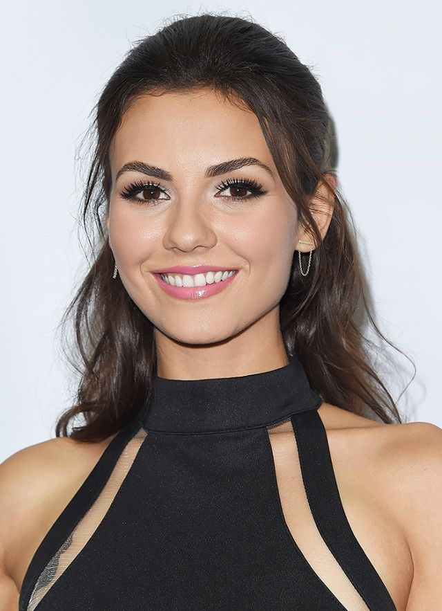 hair styling victoria justice