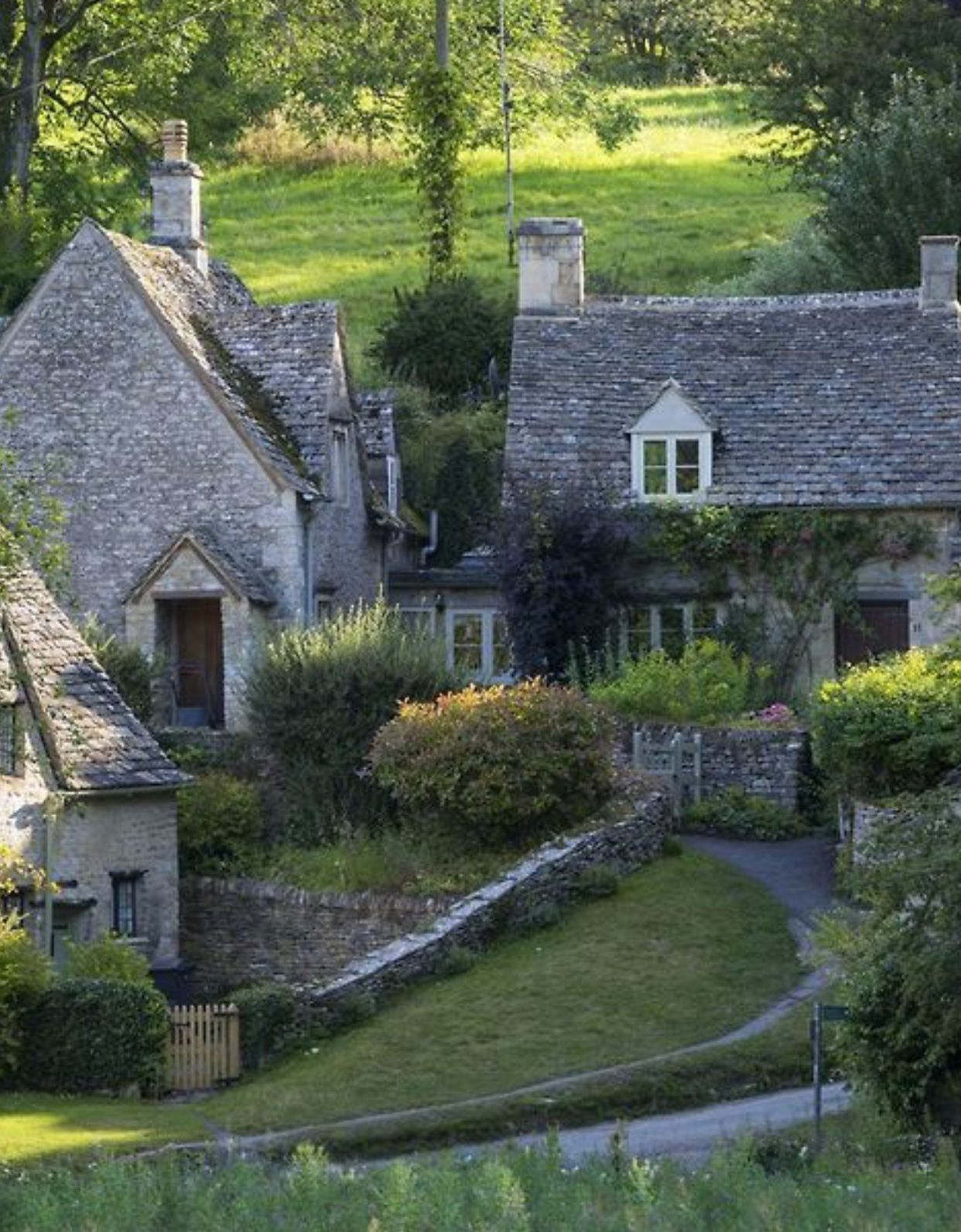 Pin By Shash On Country Homes With Images Cotswolds Cottage English Country Cottages English Cottage