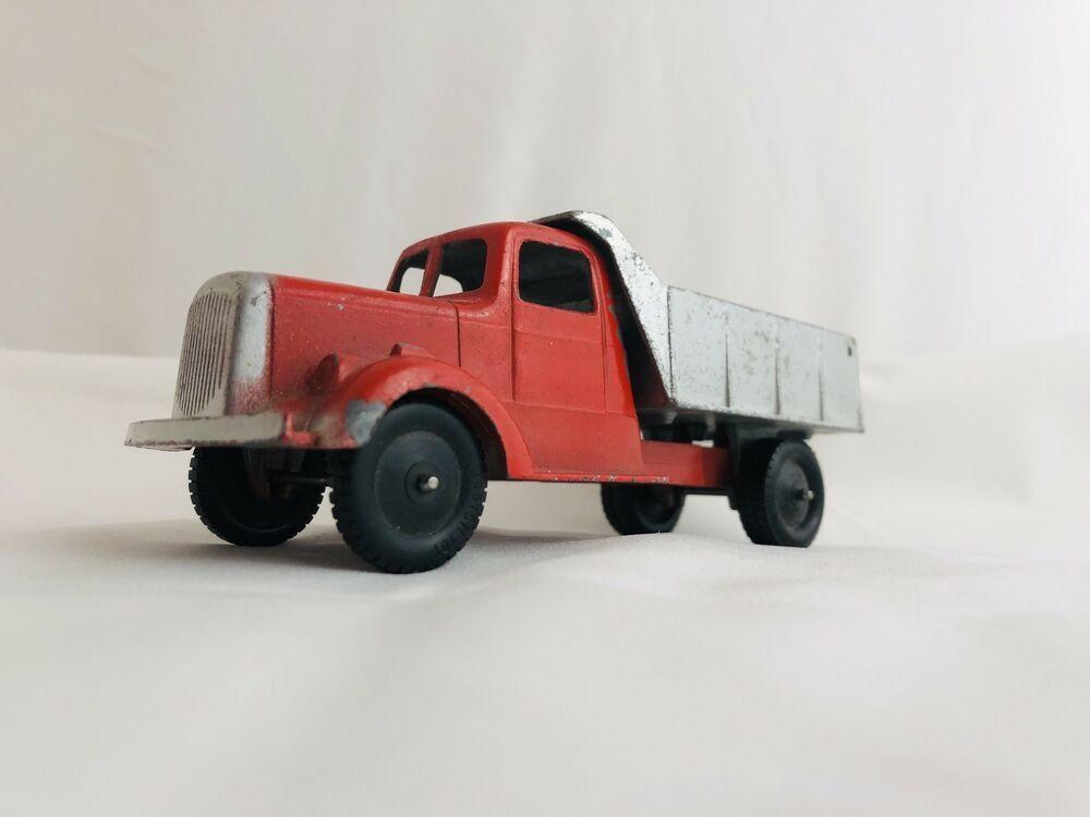 Tootsietoy Dump Truck 559 Toys Hobbies Diecast Toy Vehicles Cars Trucks Vans Ebay Dump Trucks Trucks Dumped