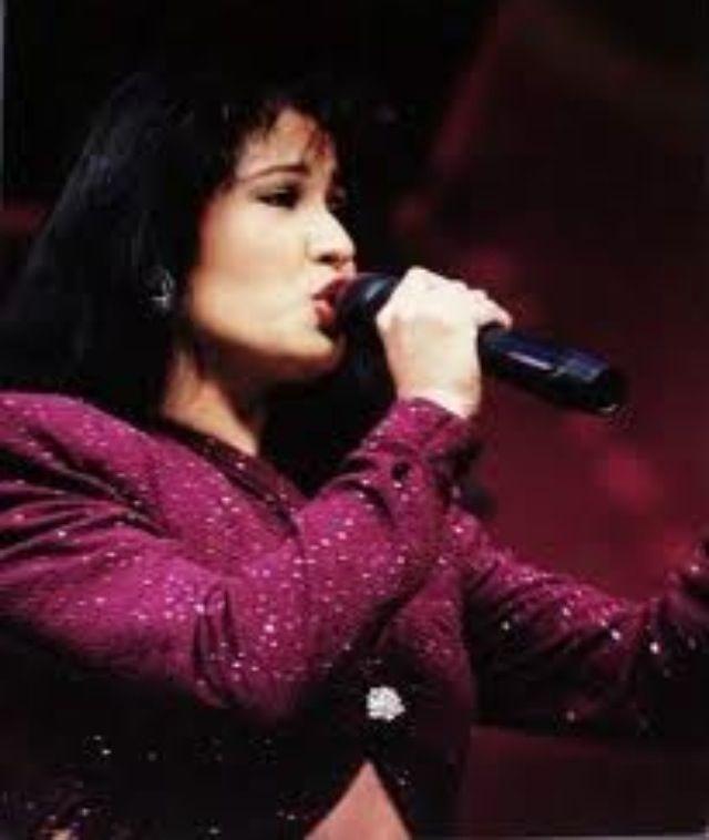 Selena Quintanilla. The Last Concert @ Astrodome Houston ...