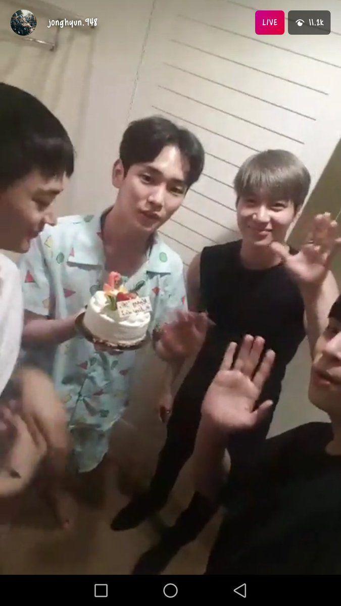 170922 Jonghyun Instagram Live with SHINee - celebrating Key