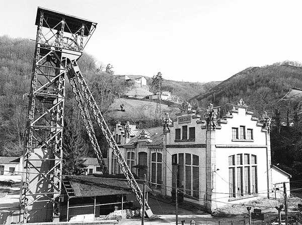 Viaje a las entrañas de la mina vistas del pozo de San Luis,langreo Asturias