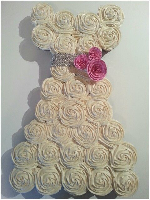 Bridal shower cupcakes cake ideas Pinterest Pink roses