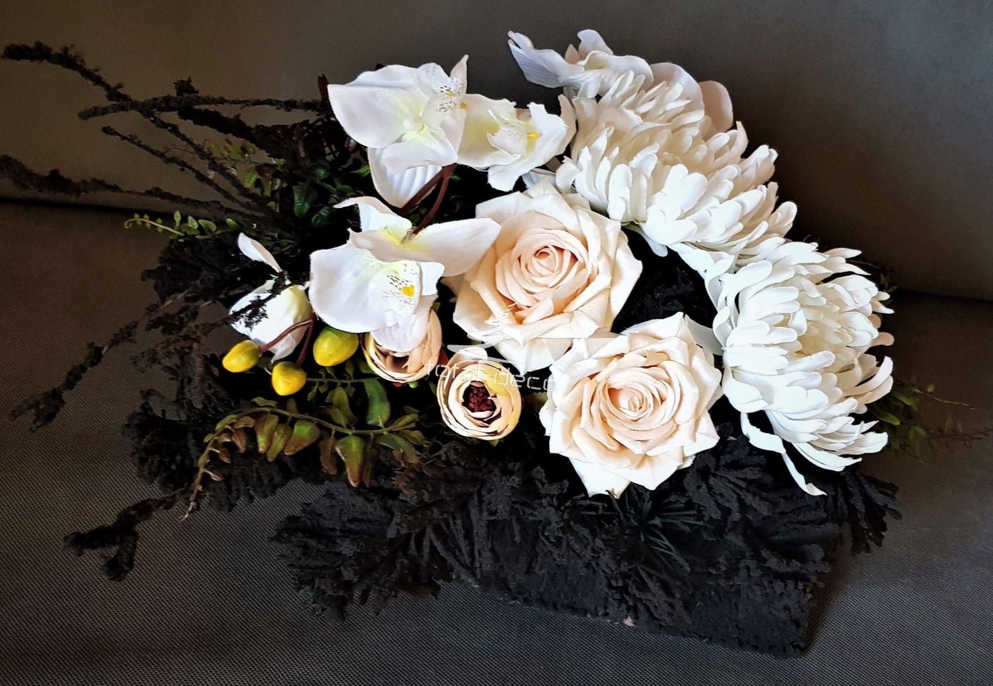 Sztuczne Kwiaty Dekoracje Na Cmentarz Floral Floral Wreath Wreaths