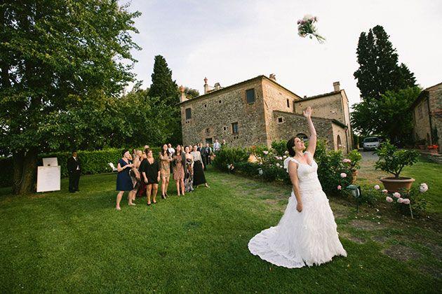85 Best Wedding Bouquet Toss Songs