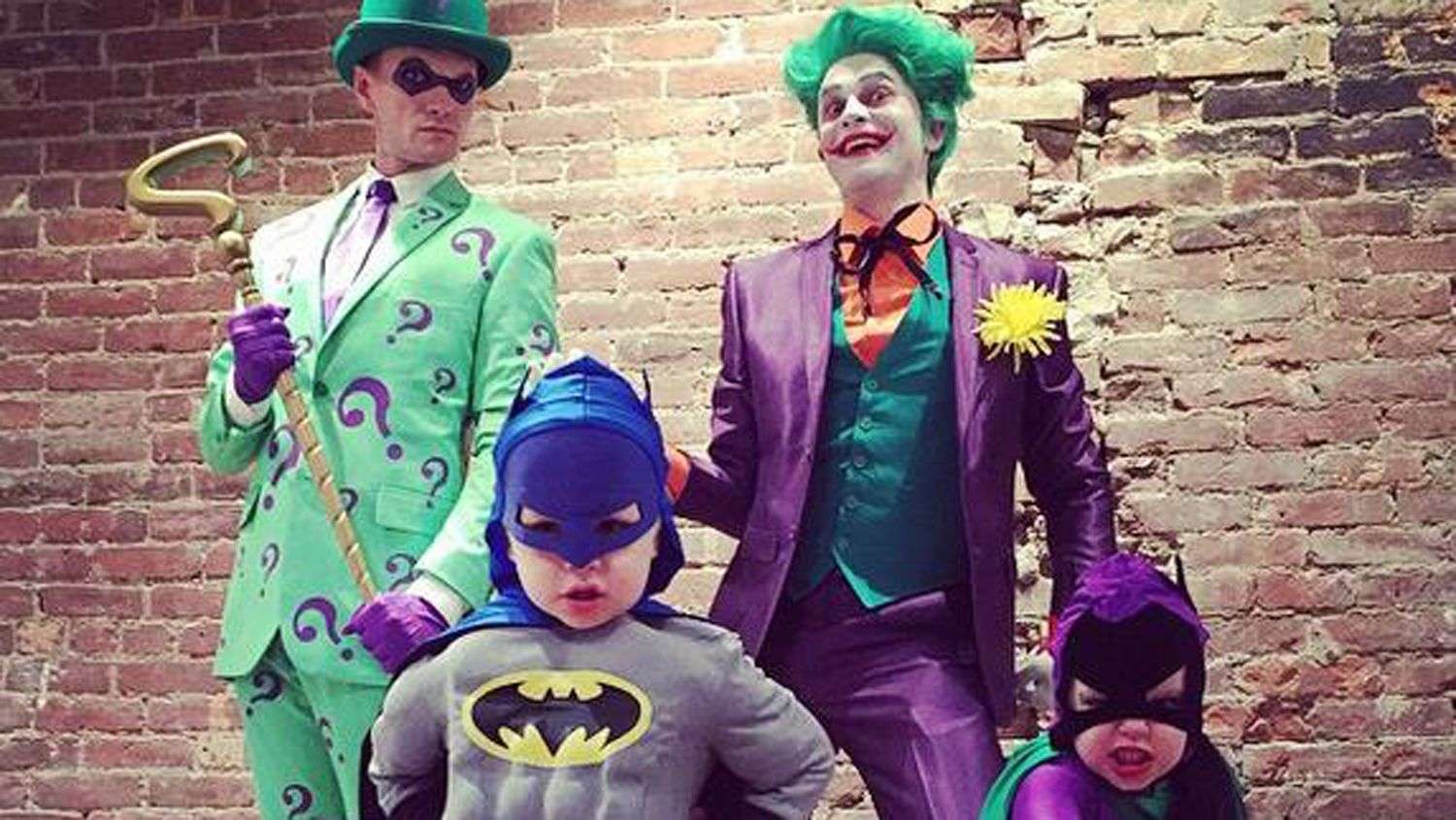 Super, again Neil Patrick Harris, Gotham family do