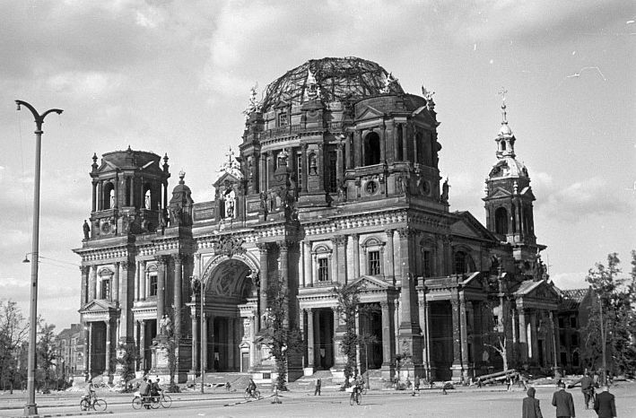 Berlin Visions Of The Past Berlin Cathedral War Of The Worlds