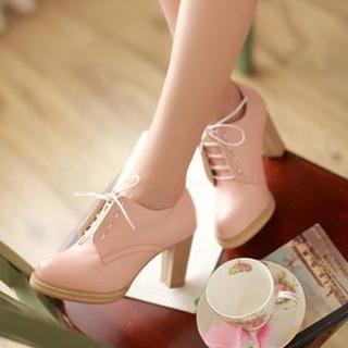 Zapatos rosa con taco bajo 54419bc49657