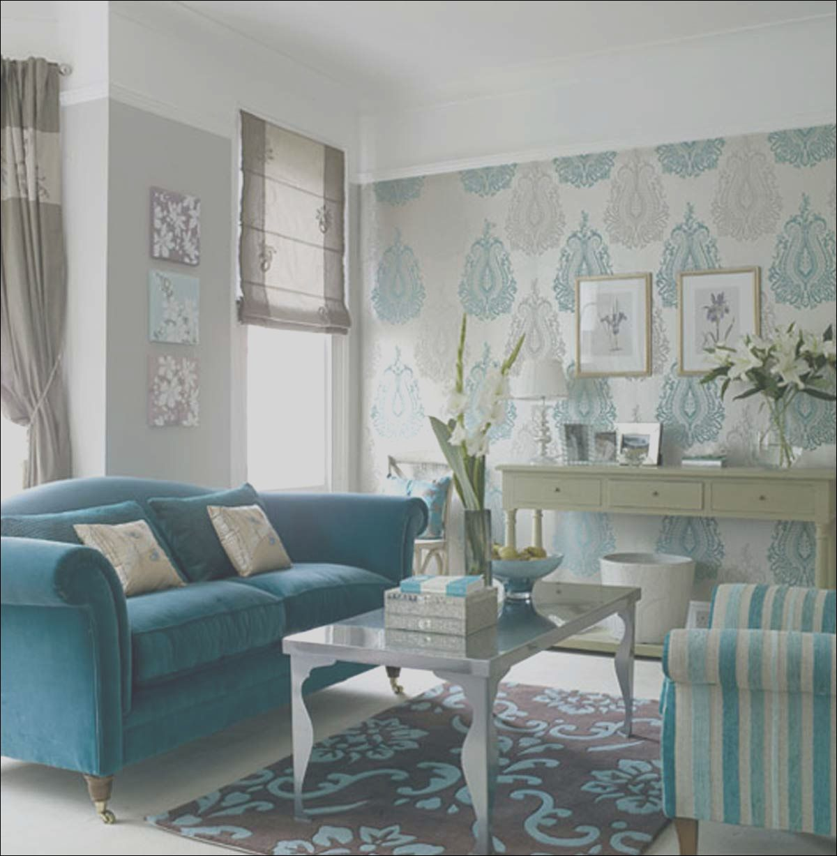 12 Clean Wallpaper Ideas For Small Living Room Image In