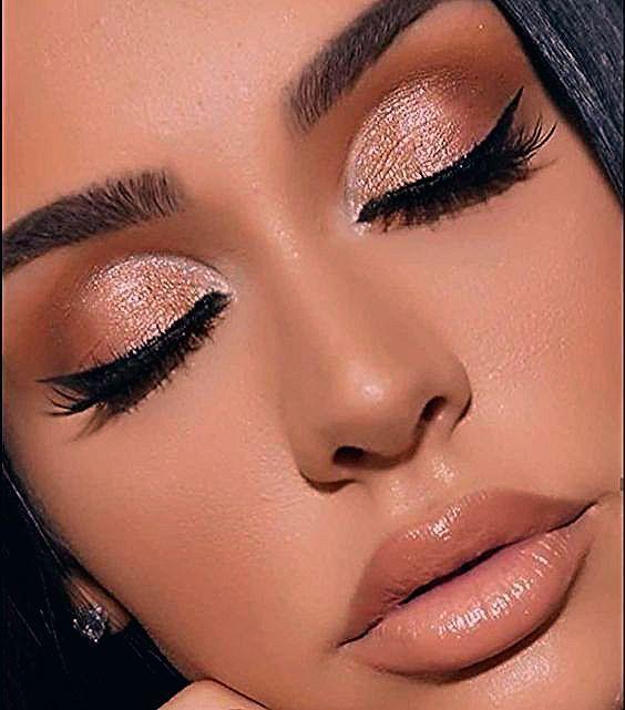 Photo of 40+ schimmernde Lidschatten-Look-Ideen – Spitze  #makeupproduct – makeup products
