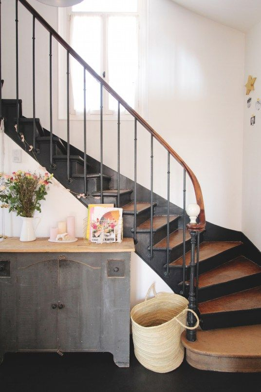 On ose lu0027escalier noir ! Hall, Salons and Stairways - comment renover sa maison pas cher