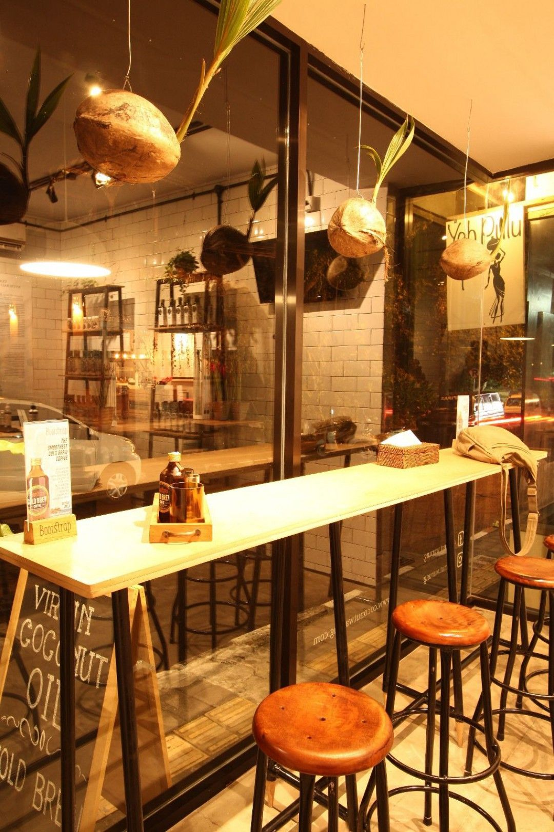Industrial Scandinavian Conter Area Coconut Warung Cafe