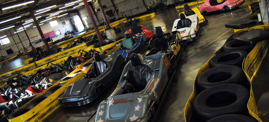 Flags Wheels Indoor Racing Black Hills Badlands South Dakota Indoor Racing Badlands South Dakota Black Hills And Badlands