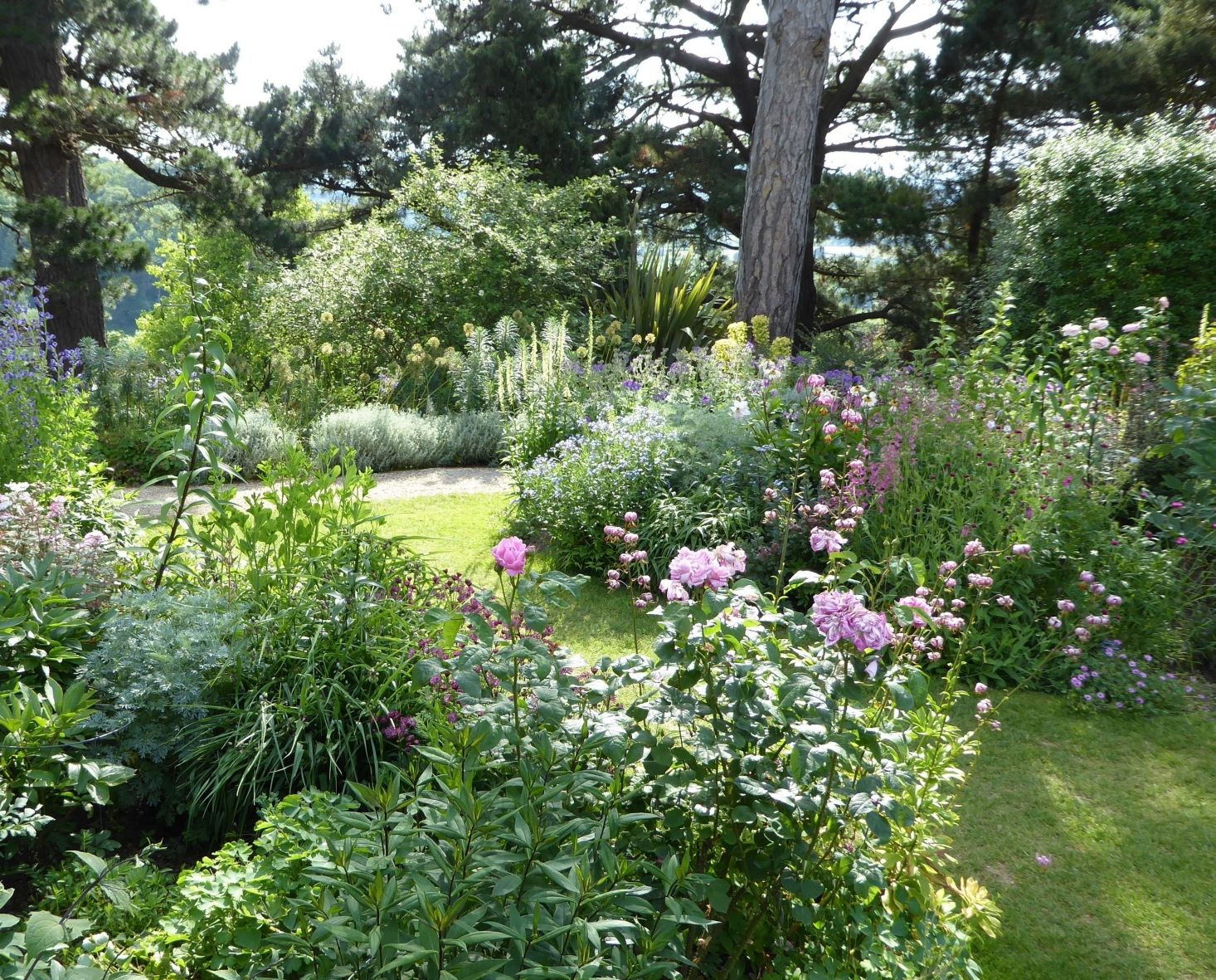 Photo of 10 Garden Ideas to Steal from the Cotswolds – Gardenista