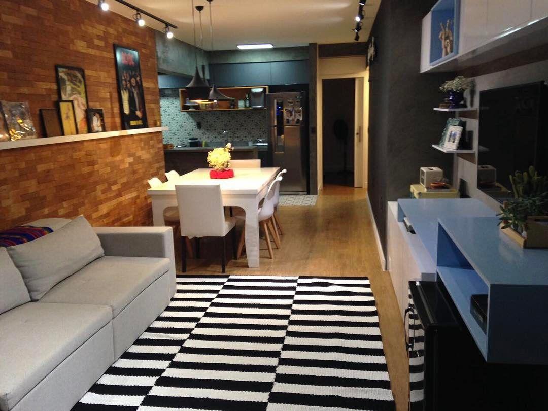 """88 curtidas, 6 comentários - Marina Maya Arquitetura (@marinamayaarquitetura) no Instagram: """"Mais um ângulo deste apartamento super moderno e descolado.  Evidencio a mistura de materiais…"""""""