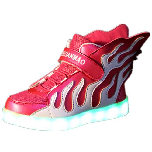 Feuer Leuchtende Schuhe Mit Flügeln Rot