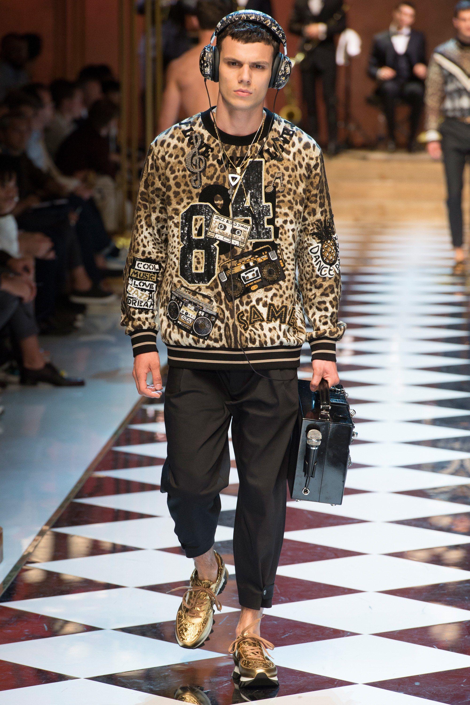 6e24aec19e14 Dolce And Gabbana 2017 Spring Fashion Show