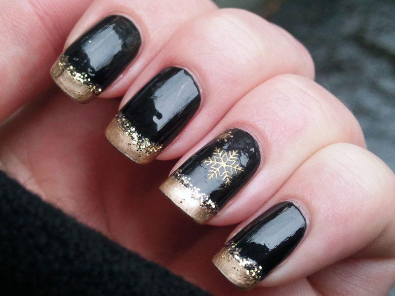 gold black christmas nails - Black Christmas Nails