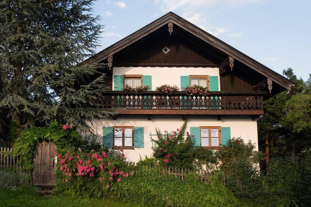 Ferienwohnung In Bayrischem Landhaus Im Chiemgau Hauser Zur Miete In Surberg Bayern Deutschland Haus Mieten Haus Landhaus