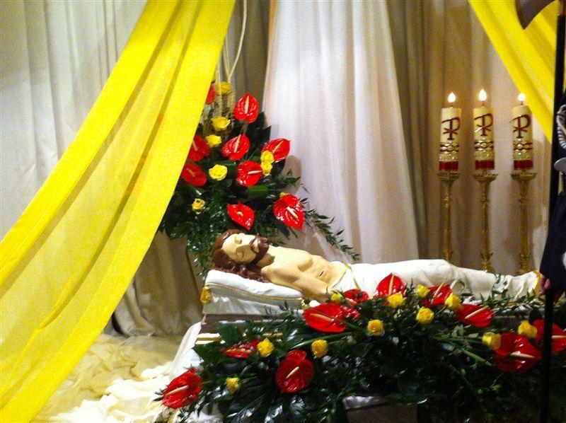 Parafia P W Matki Bozej Pocieszenia W Trzetrzewinie Wystroj Kosciola Na Wielkanoc Decor Home Decor Holiday Decor