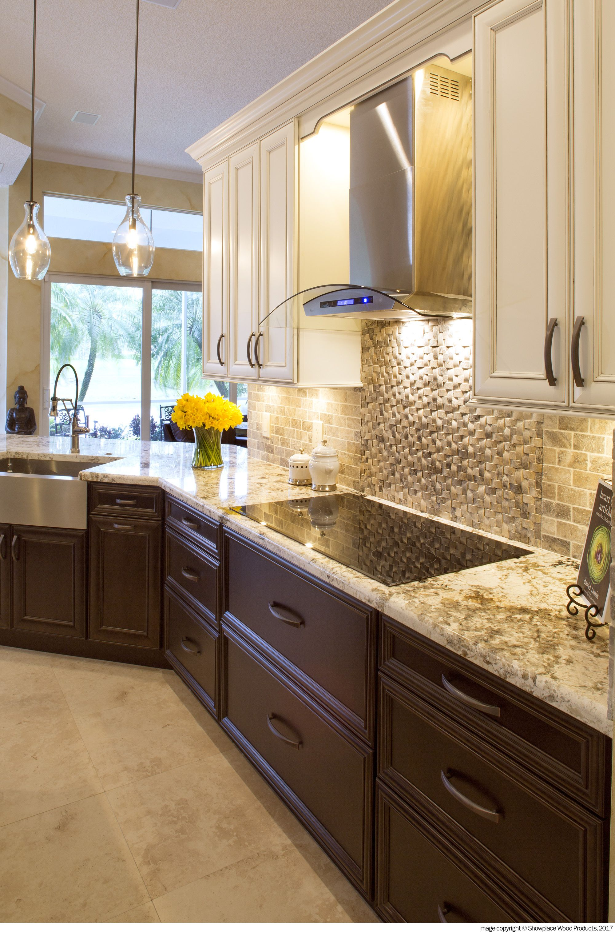 An Amazing Transformation In Pembroke Fl Meant To Increase The Value And Attraction For Selling Th Espresso Kitchen Cabinets Kitchen Remodel Espresso Kitchen