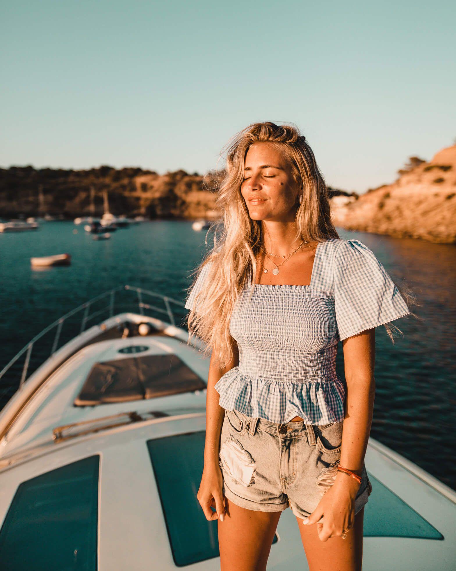 Janni Delér | Kläder, Monaco, Instagram
