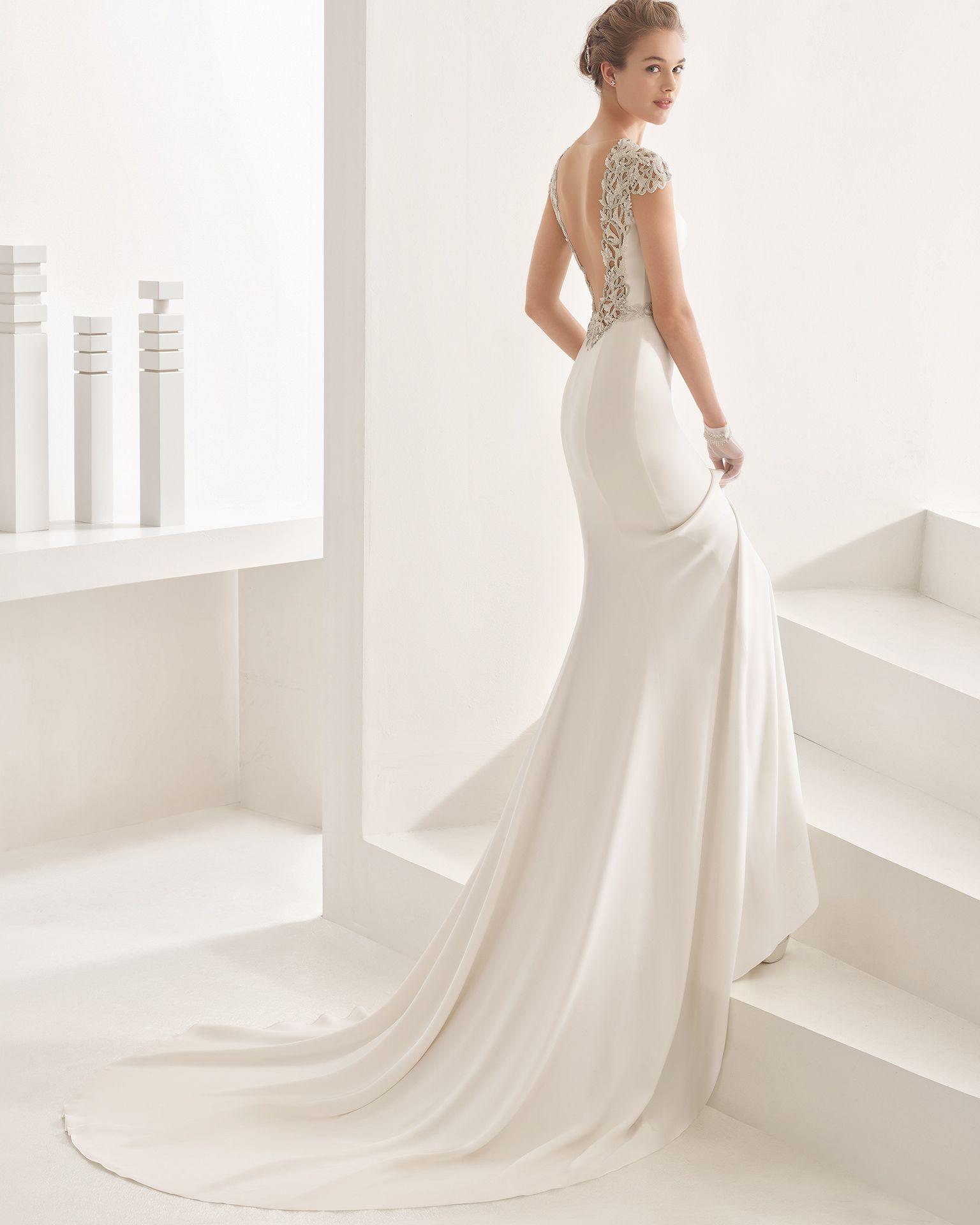 Naira - 2017 Bridal Collection. Rosa Clará. | Brautkleid und Schuhe