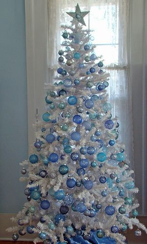 white christmas tree decorations love the fact that this tree has been simply decorated with baubles - White Christmas Tree With Blue And Silver Decorations
