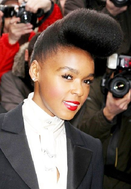 Elegant Pompadour Hairstyles For Ladies Hairstyles Weekly Pompadour Hairstyle Hair Styles Womens Hairstyles