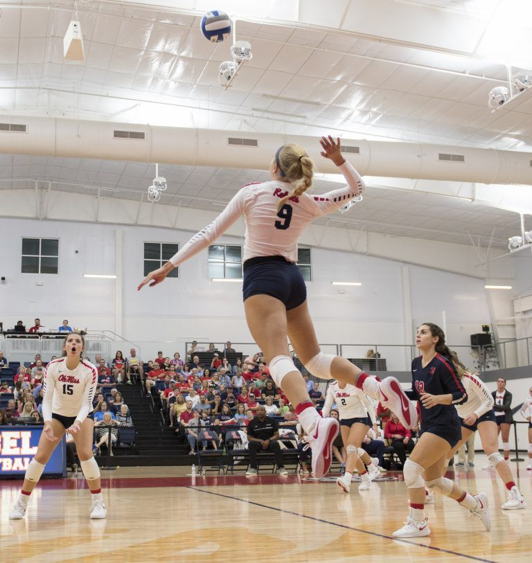 Rebels Head To Gainsville To Face Powerhouse Florida The Daily Mississippian The Daily Miss Volleyball Pictures Volleyball Team Pictures Volleyball Jerseys