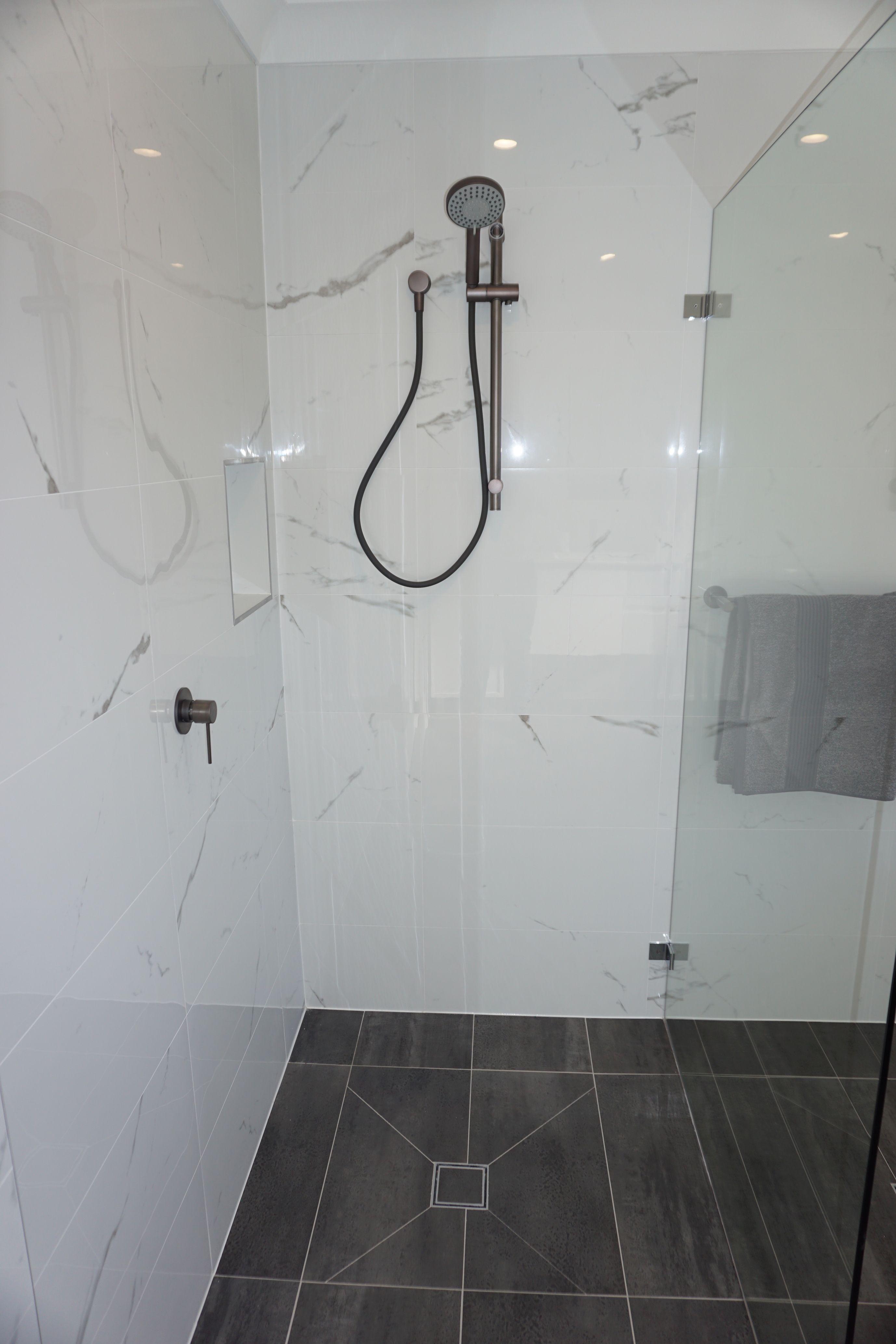 Menai | Bathroom remodel ideas | Pinterest | Marble tile bathroom ...