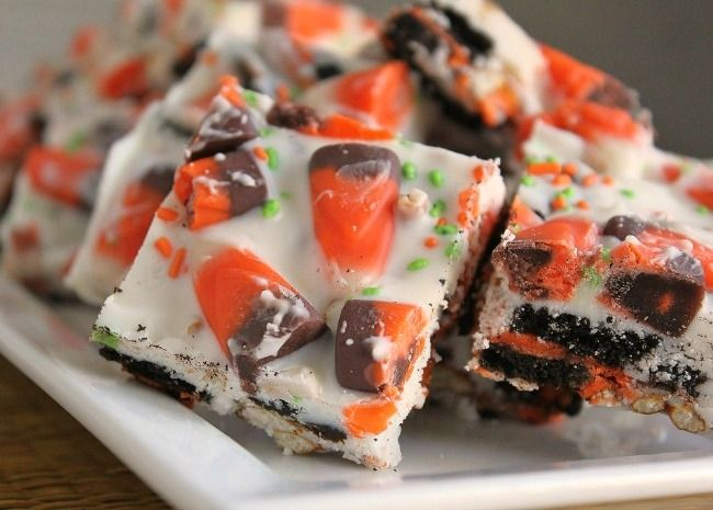 Get recipes and ideas for cute and easy Halloween treats even kids - cute easy halloween treat ideas